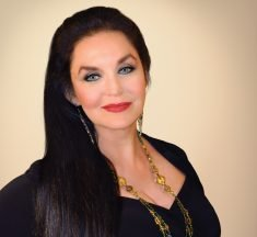 Crystal Gayle to perform at Seminole Casino Hotel March 27